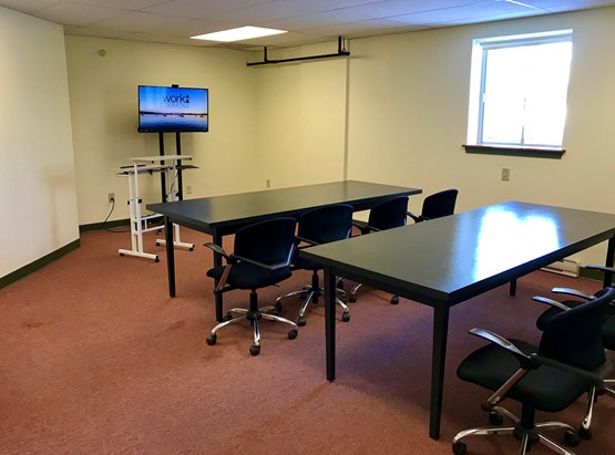 Suite 207 (Newport Flex Room), 375 square foot flexible space